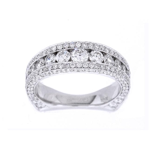 18KT WHITE BAND, DIAM 1.76CT