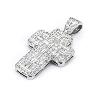 18KTW INVISIBLE AND PAVE SET CROSS PENDANT, DIAMOND 4.56CT