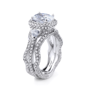 18KT WHITE ENGAGEMENT RING 1.67CT