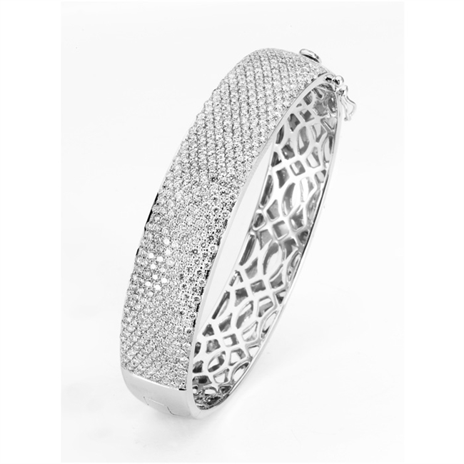18KTW BANGLE DIAMOND 5.74CT