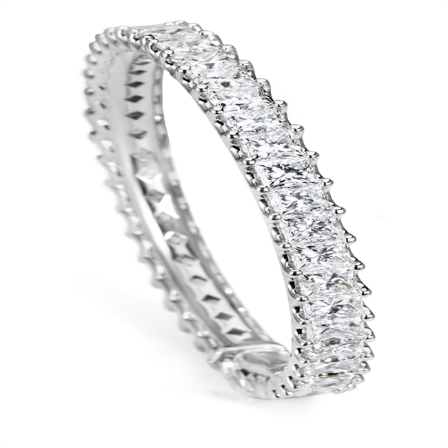 18KTW BANGLE DIAMOND 28.0CT