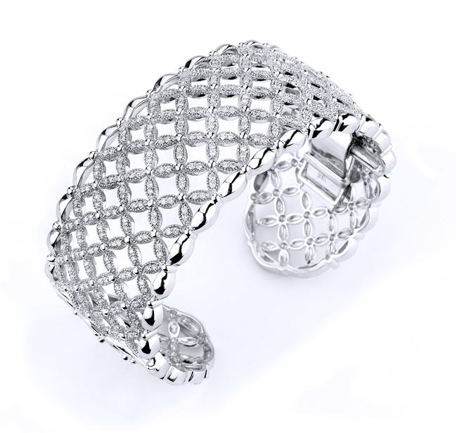 18KTW CUFF BRACELET DIAMOND 2.57CT